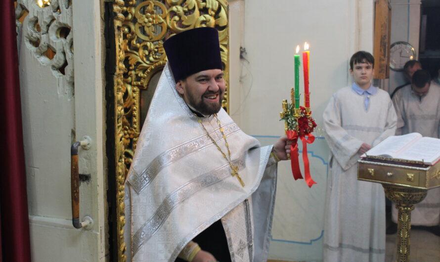 Клирик нашего храма иерей Василий Писцов награждён правом ношения палицы!