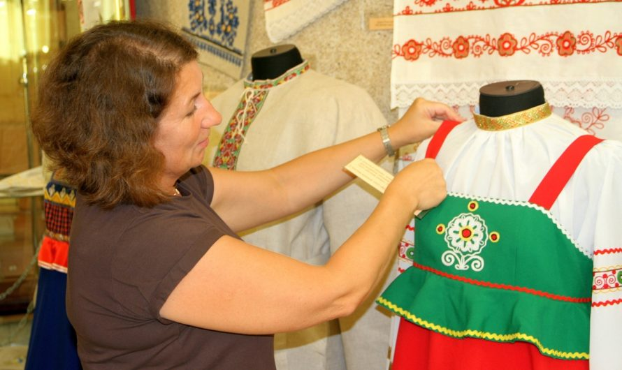 В музейно-выставочном центре «Диорама» пройдёт выставка «Яркие краски вятской вышивки»