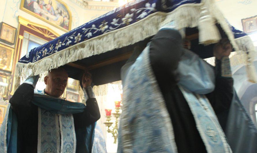 Всенощное Бдение с выносом Плащаницы. Фото со службы
