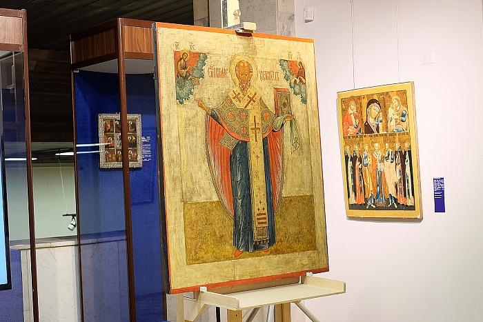 Отреставрированная икона вновь украсит Свято-Серафимовский собор